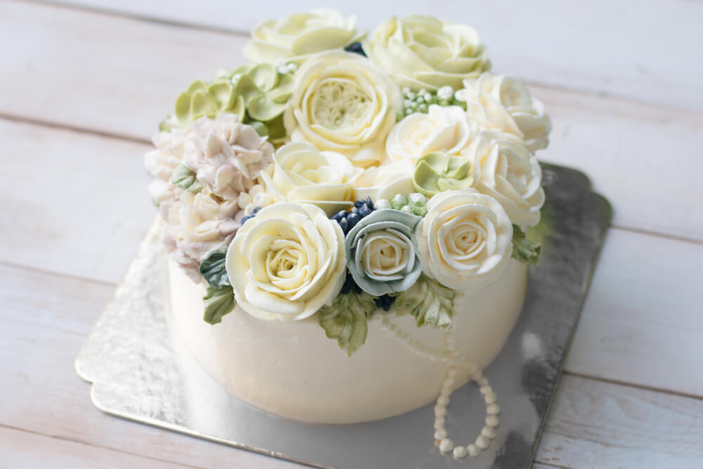 All-purpose whipping cream decorated cake